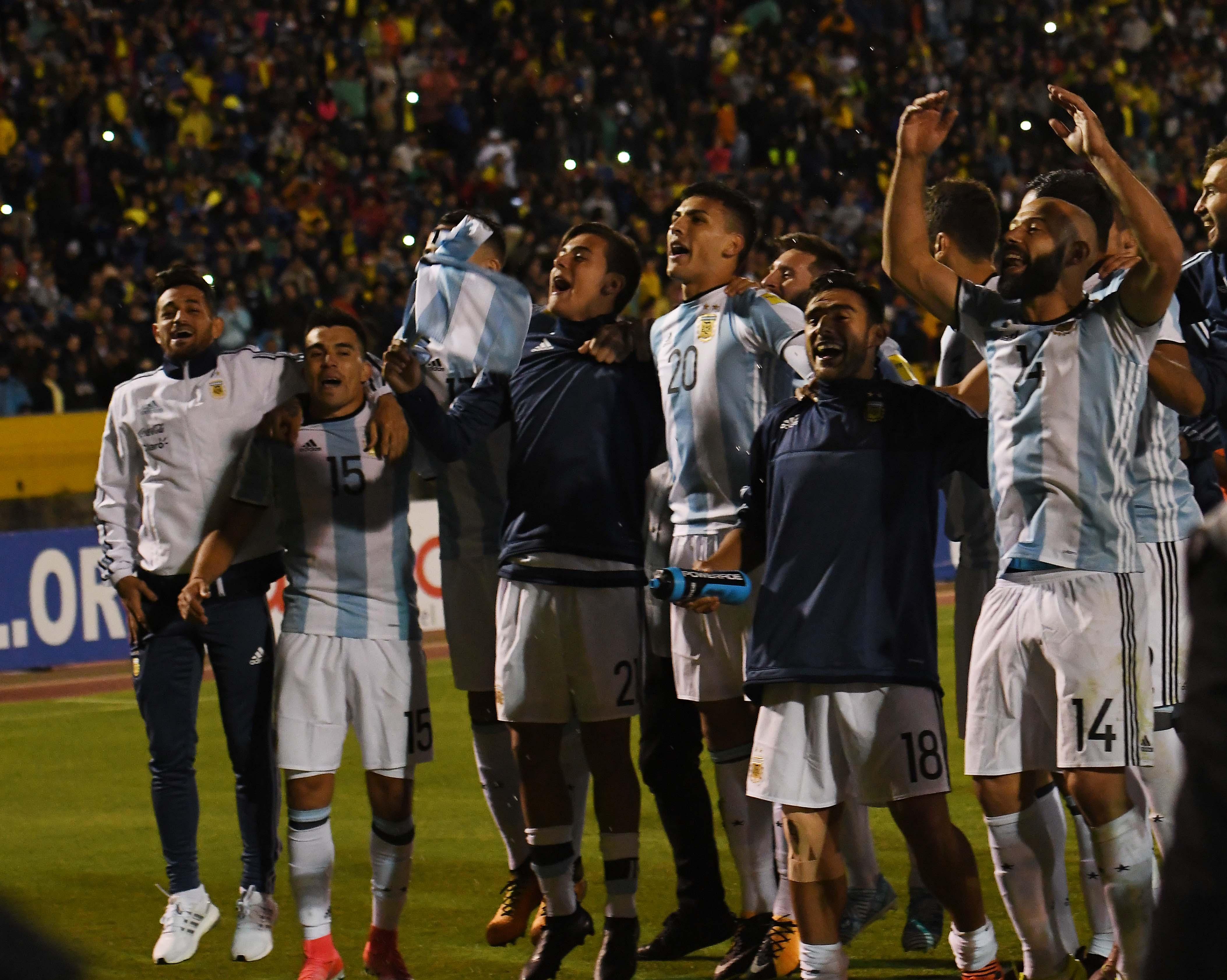 11-10-2017_quito_ecuador_con_tres_goles (1)